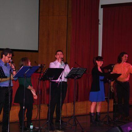 """L'esibizione del gruppo """"Le voci del Musical"""""""