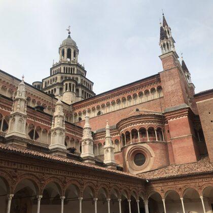 Scorcio della Cattedrale dal chiostro